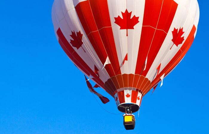 Estudiar y trabajar en Canadá - globo